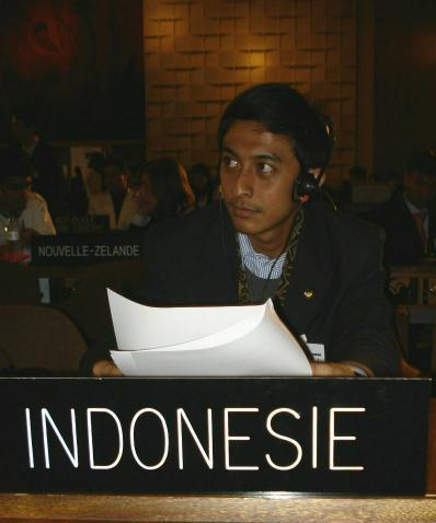 Mohammad Reiza on the 5th UNESCO Youth Forum, October 2007 in Paris, France